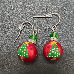 Red beaded Christmas tree earrings